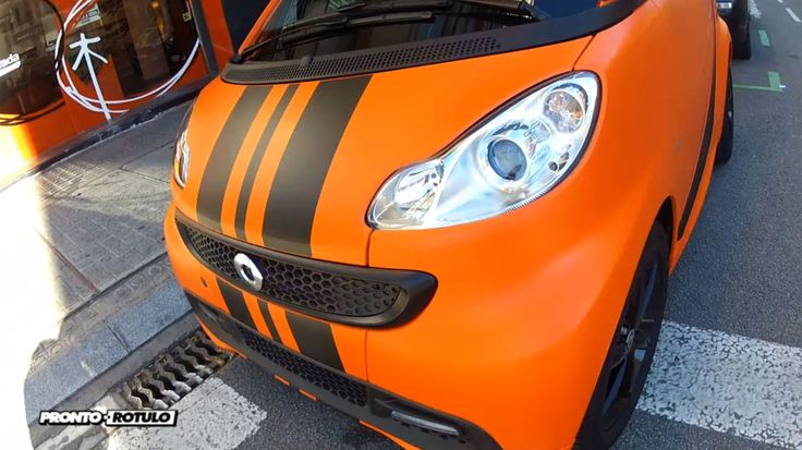 En este caso destripamos un Smart de color Blanco para vinilarlo integramente en Naranja con detalles en Negro Mate que lo convierten en un Smart Naranja Mate Racing by Pronto Rotulo. Materiales MacTac gama Wrap. + info en http://www.prontorotulo.com/ + info en https://www.facebook.com/prontorotulo + info en https://www.twitter.com/prontorotulo + info en https://www.youtube.com/prontorotulo