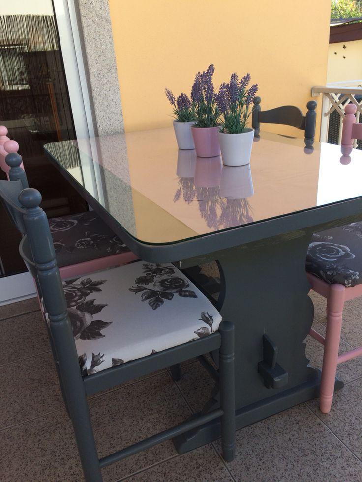 Mesa e cadeiras restauradas