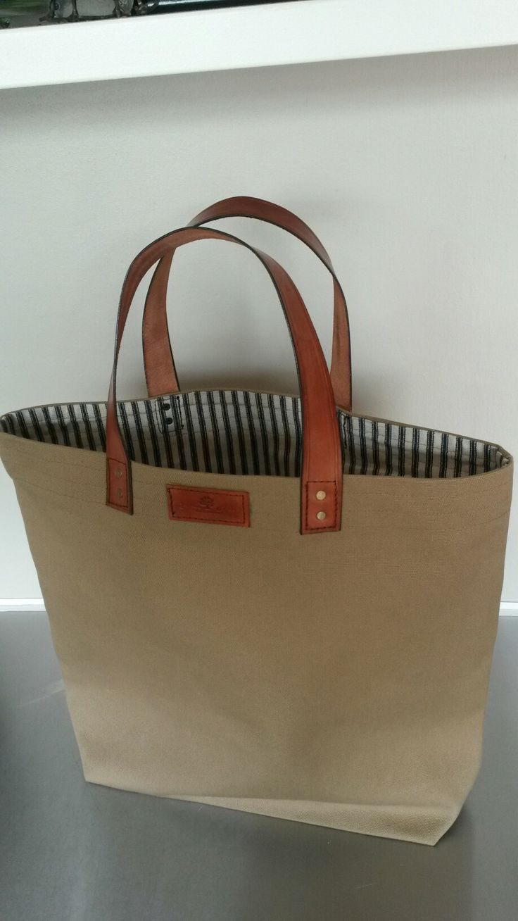 Leather / canvass bag