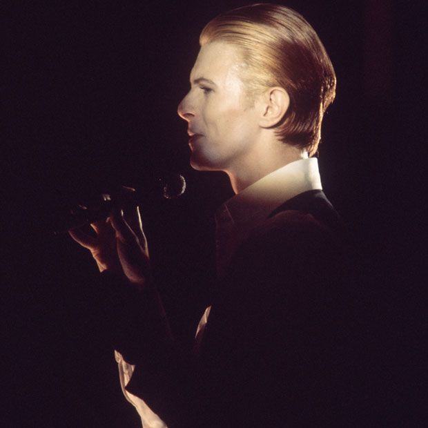 1976: The Thin White Duke in concert on the 'Station to Station' tour