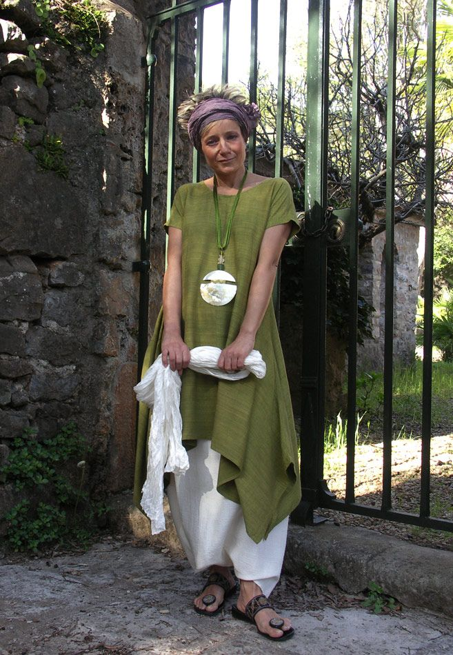 LIME GREEN RAW SILK TUNIC withwhite linen sarouel ( harem pants)