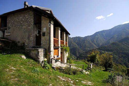 Col dei Bof      http://www.magicoveneto.it/Grappa/Seren/Seren-del-Grappa_Col-dei-Bof.htm
