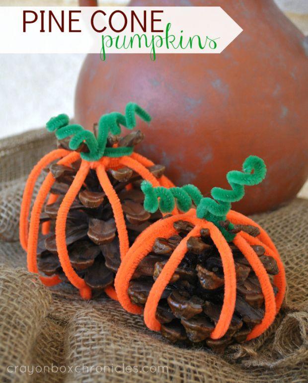 Easy Pine Cone Pumpkin Craft for Kids #Fall #Halloween #pinecones
