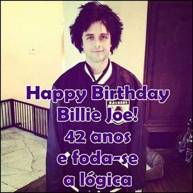 Hoje dia 17/02 Billie Joe Armstrong completa 42 anos <3 Parabéns Billie 2 dollar