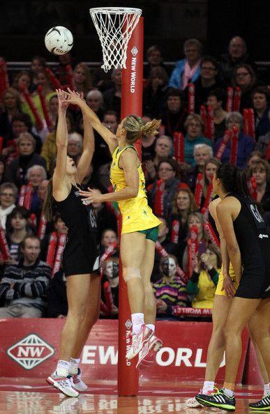 Australian Diamonds captain for 2014, Laura Geitz