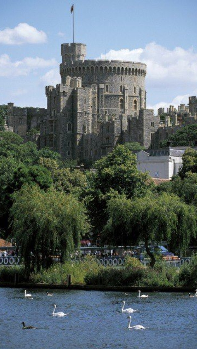 The Round Tower, Windsor Castle, Berkshire, England in ...