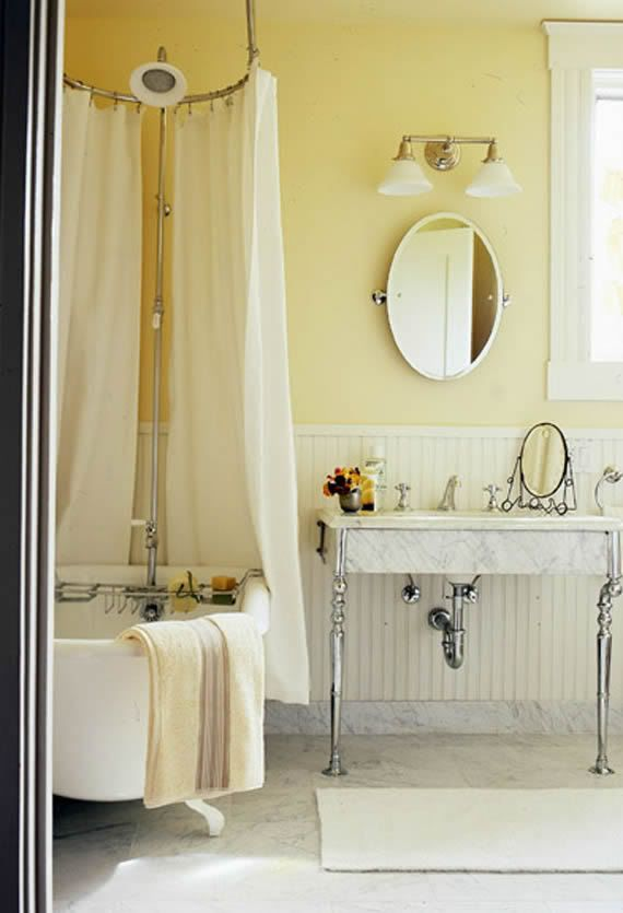 bathroom accessories for small bathrooms