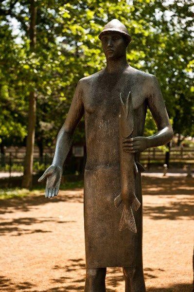 The Fisher Boy statue in the spring / A Halászfiú szobra a tavaszban