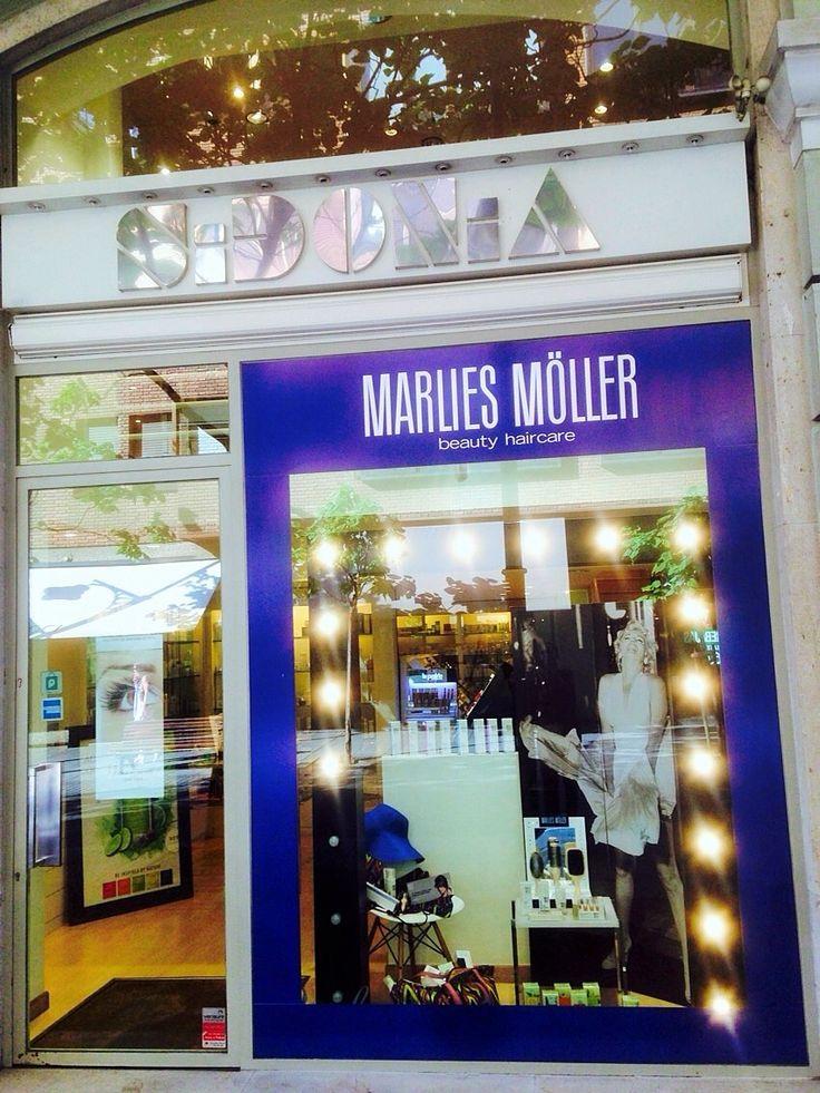 Escaparate semana promoción Marlies Möller en Perfumería Sidonia.  Del 13 al 18 de Julio 2015
