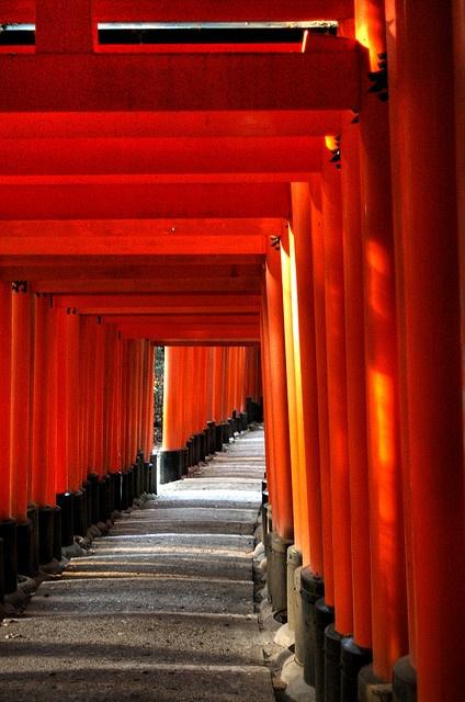 Fushimi inari 京都 日本 Kyoto-Japan Jul/2006 by Freakland - フリークランド, via Flickr
