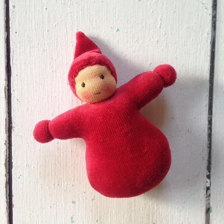 Ein kleines Zwerglein in der Hosentasche bringt Glück❤️! #glückszwerglein #zwerglein #hosentaschenzwerg #pocketdoll #luck #passtgenauineinehand #kleinespüppchen #waldorf #doll #handmade #handarbeit #puppenherz