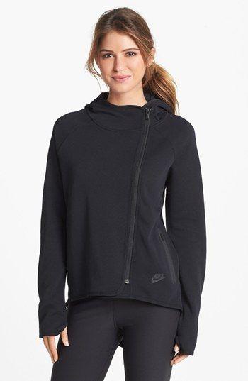 1000 ideas about cape jacket on pinterest black cape. Black Bedroom Furniture Sets. Home Design Ideas