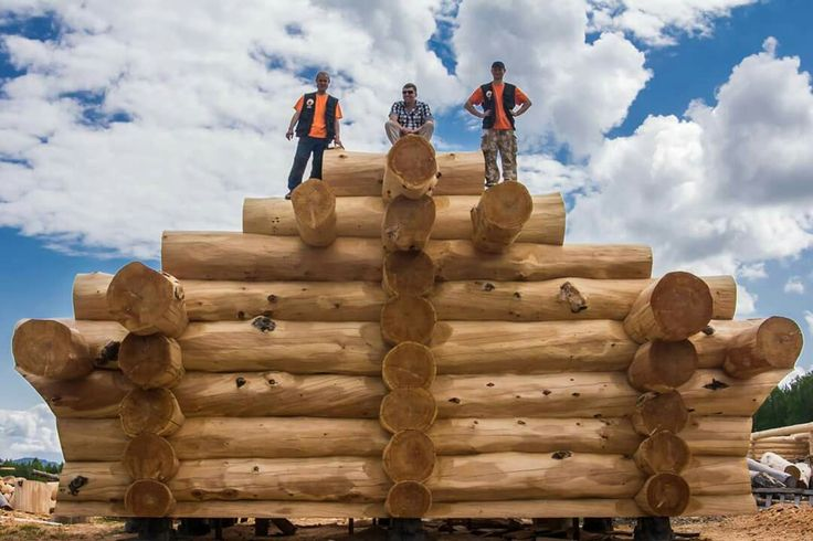 These are the sauna logs to be delivered in Yakutia, the big territory of Russian North. Usually it's extremely cold there. #taigahouse #loghome #logcabin #loghomelife #logconstraction #loghomedesign #lifestyle #ecohouse #cedar #logcabins #loghomes #log #Russia