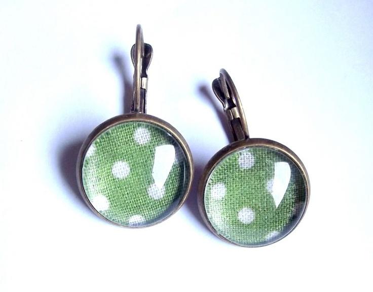 Happy Green earring by http://www.breslo.hu/item/Happy-Green-fulbevalo_3378#