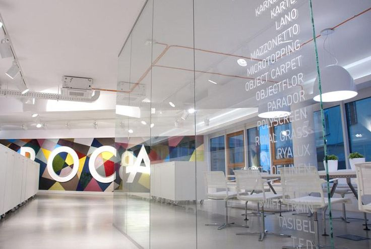 Designová stěrka Microtopping šedá, showroom BOCA Praha. / Design coating Microtopping grey, showroom BOCA Praha. http://www.bocapraha.cz/cs/produkt/646/microtopping-podlahova-designova-sterka/