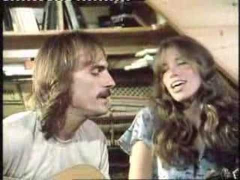 luv this song and these two way back when..beautiful! James Taylor & Carly Simon performing Close Your Eyes in 1977.