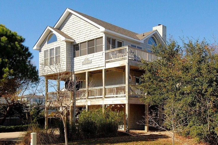 Ocean Sands Vacation Rental - VRBO 35212 - 4 BR Corolla House in NC, Hot Tub Under the Stars! Spacious, Bright & Well-Kept