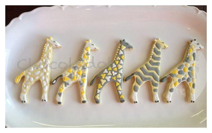 Baby giraffe cookies // Chevron