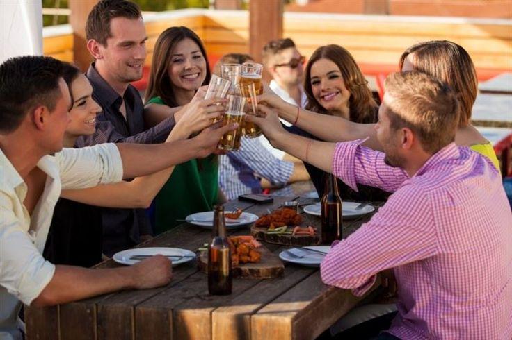 El consumo de alcohol entre los adolescentesespañoles de entre 14 y 18 años ha aumentado en los últimos dos años. Los menores españoles comienzan a beber...