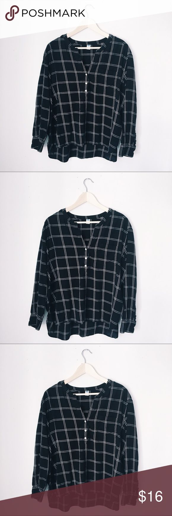 OLD NAVY SLOUCHY BLACK & WHITE GRID FLANNEL BUST: 24 inches. LENGTH: 23 high. 29 low. Old Navy Tops Blouses