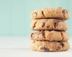 Cookies au Thermomix : http://www.cuisineaz.com/recettes/cookies-au-thermomix-79397.aspx