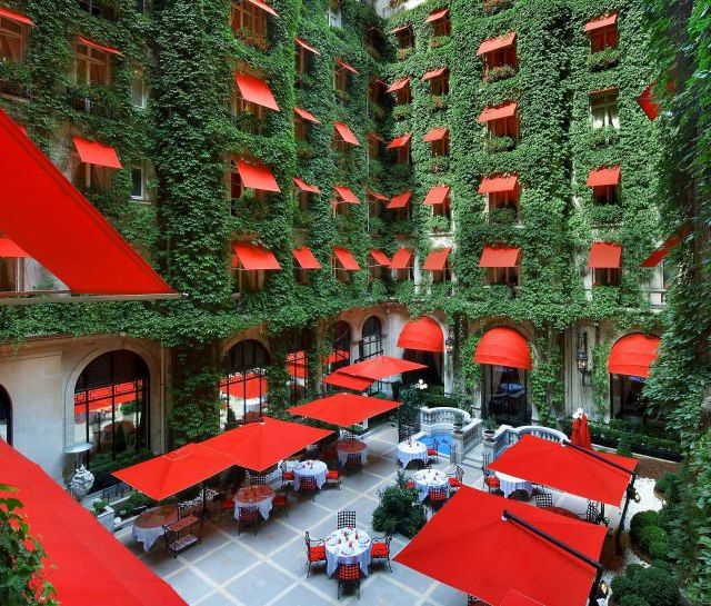#Vertical gardens, here we have a photo of a wonderful example in #Paris: Hotel #Plaza Athenee's court! Have a Green Day!