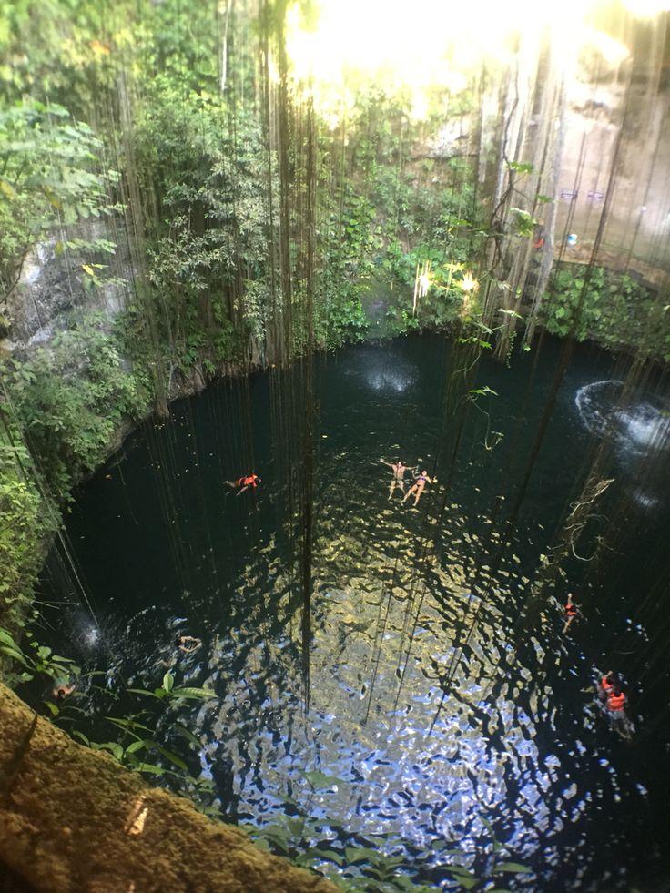 Cenote Ik Kil. Mexico