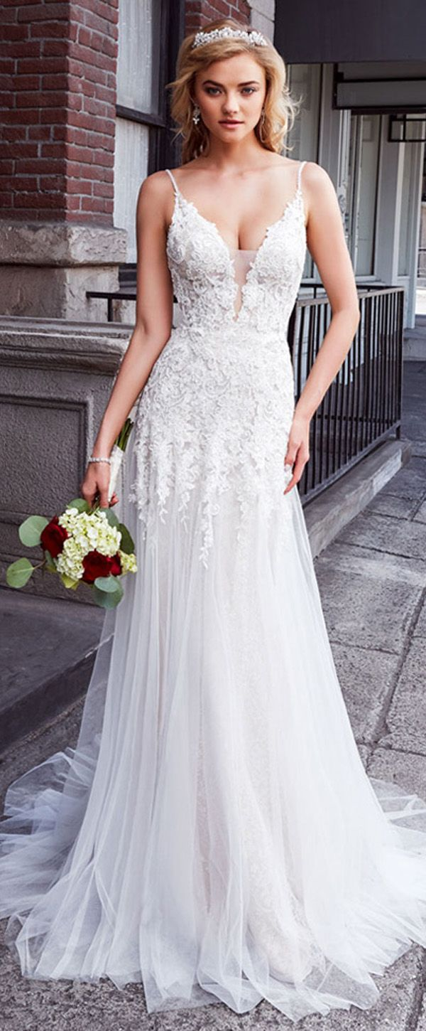 Stunning Tulle & Lace Spaghetti Straps Neckline A-line Wedding Dress With Lace Appliques & Beadings