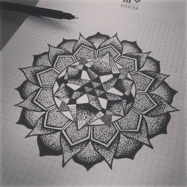 geometric mandala                                                                                                                                                                                 Más