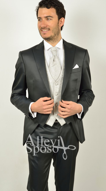 Abito smoking tuxedo vestito da sposo e cerimonia abito sposo bergamo www.allevisposo.it