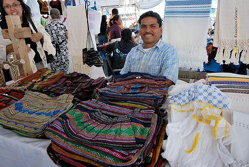"Nezahualcóyotl, Méx. 05 Junio 2013.  ""Textil en algodón y lana"". Villa Madero, Michoacán. Erick Gutiérrez. Teléfono 4591 001486 Correo electrónico erikg-a@hotmail.com"