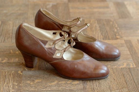 vintage NOS 1920s shoes / 20s brown leather flapper shoes / size 6.5. $160.00, via Etsy.