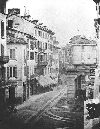 Teatro alla Scala da Corsia dei Giardini, 1858: la piazza non esisteva.