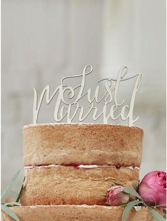 Cake topper Just married legno.  Perfetto per aggiungere un tocco vintage alla vostra torta nuziale.  Misure 12.5 x 14 cm. #caketopper #cake #topper #wedding #matrimonio #weddingideas #ideasforwedding #figurastartanuptcial #hochzeitcaketopper #weddingday