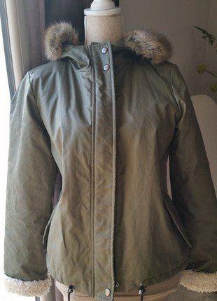 À vendre sur #vintedfrance ! http://www.vinted.fr/mode-femmes/manteaux-dhiver/27073817-manteau-fourre-kaki-capuche-caroll