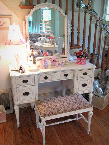 Chabby Chic Corner Makeup Vanity | Vintage Pink Vanity Desk with Mirror and Bench
