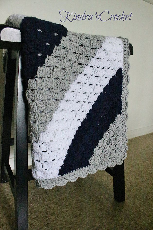 Kindra's Crochet Corner-to-Corner C2C Navy, Gray (Grey Mist) and White baby blanket with scalloped edge
