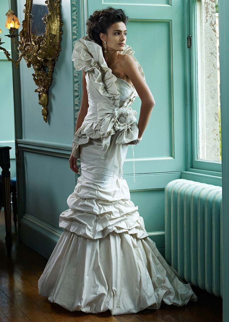 London wedding dress sale