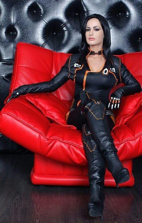 Miranda Lawson - Mass Effect II Cosplay by Hannuki (Maria Hanna)