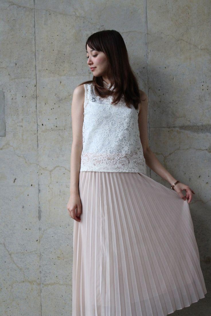 [#ootd]白レーストップス×UNIQLOプリーツスカート♡ | with girls委員会