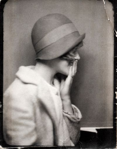 1920's woman in cloche.: 1920, Flappers Girls, Photo Booths, Vintage Hats, Cloche Hats, Old Photo, Vintage Ladies, Vintage Photo, Vintage Style