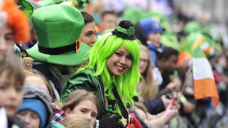 El 17 de marzo se conmemora la muerte de San Patricio, e Irlanda se tiñe de verde y brinda con cerveza en el Saint Patrick s Day