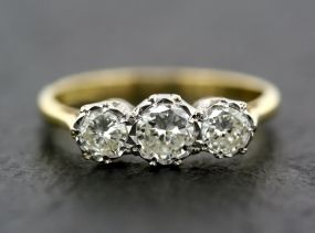 Message  Ms. JoAnn wore a ring like this (white gold or platinum) during my prophetic training 25FEB17- sbowler
