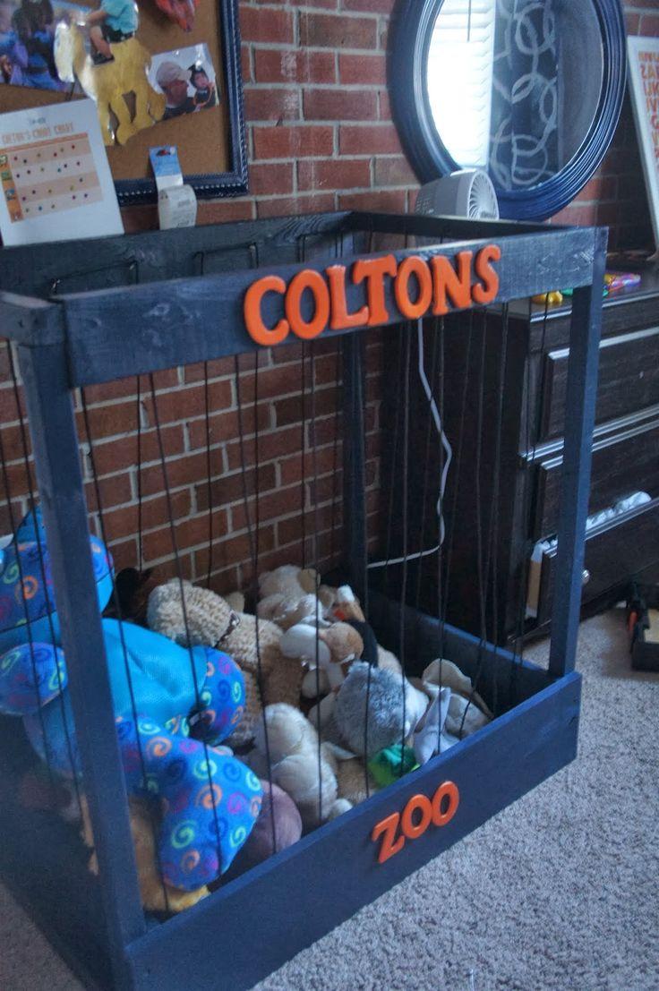 Meuble pour ranger les peluches dans une chambre d 39 enfant for Decoration chambre zoo