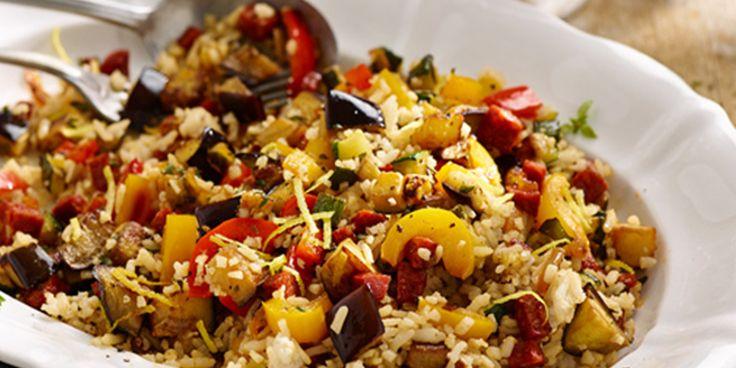 Maak een mediterrane rijstsalade van overgebleven rijst