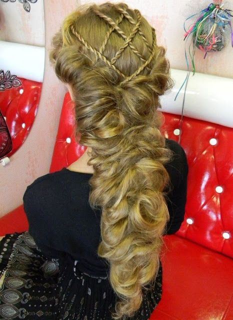 Impressive Renaissance hairstyles! Photo gallery & Video tutorials! | The HairCut Web!