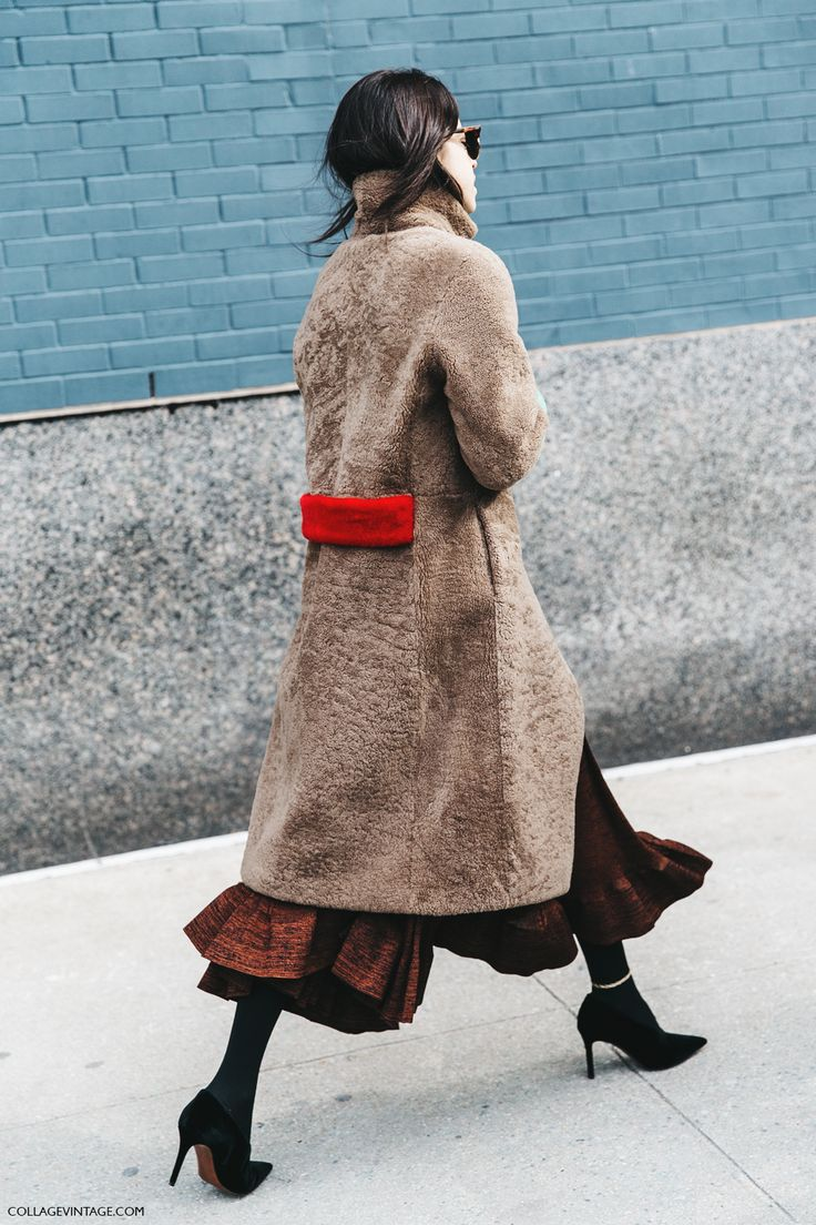 Nice match of colors but please DON'T use fur, there are a beautiful and ecological ones! STREET STYLE NYFW I (via Bloglovin.com )