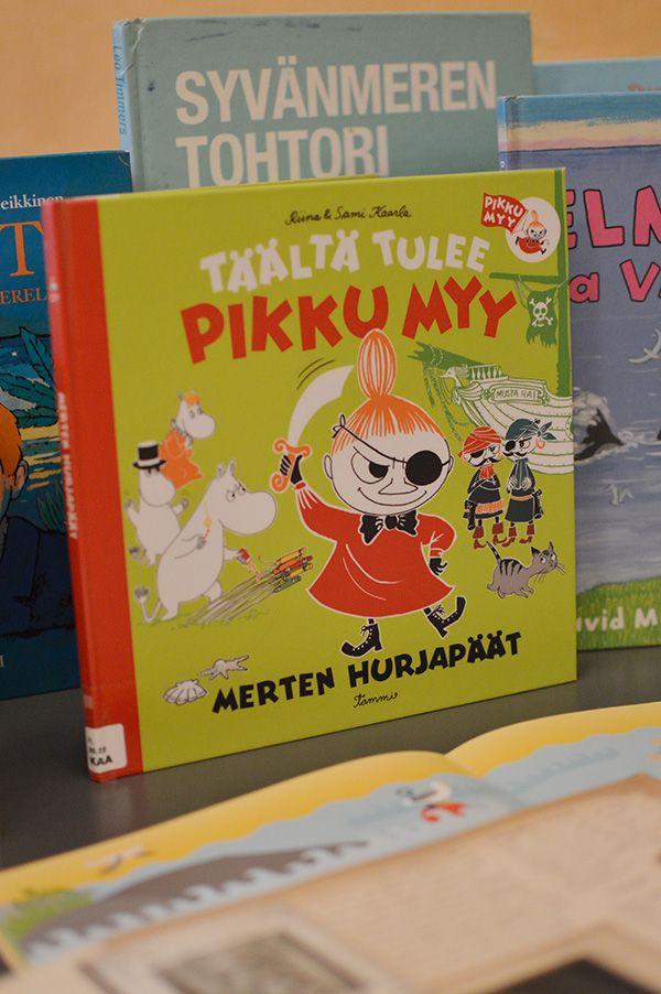 Kirjanurkkauksessa voi hiljentyä hetkeksi satujen maailmaan vaikkapa Pikku Myyn seurassa. Oulu (Finland)
