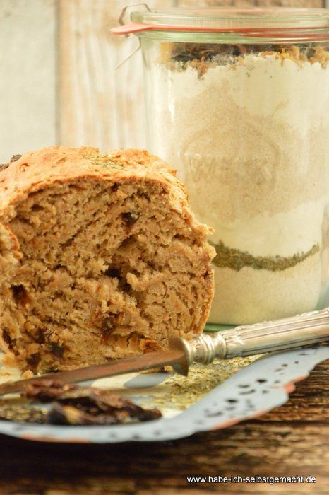 Zwiebel-Tomaten-Brot: Backmischung im Glas