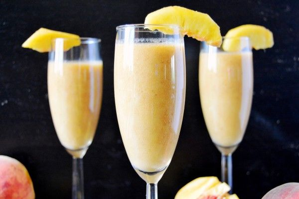 Rise and Shine Peach Banana Smoothie - Wake up to this easy and fruity smoothie every morning! Made with 3 ingredients!